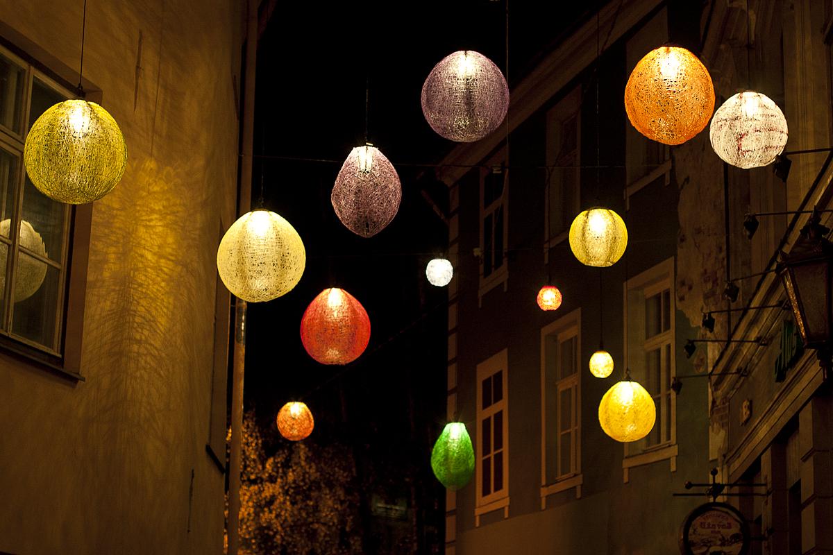 Colorful Street Lamps Via @Atisgailis