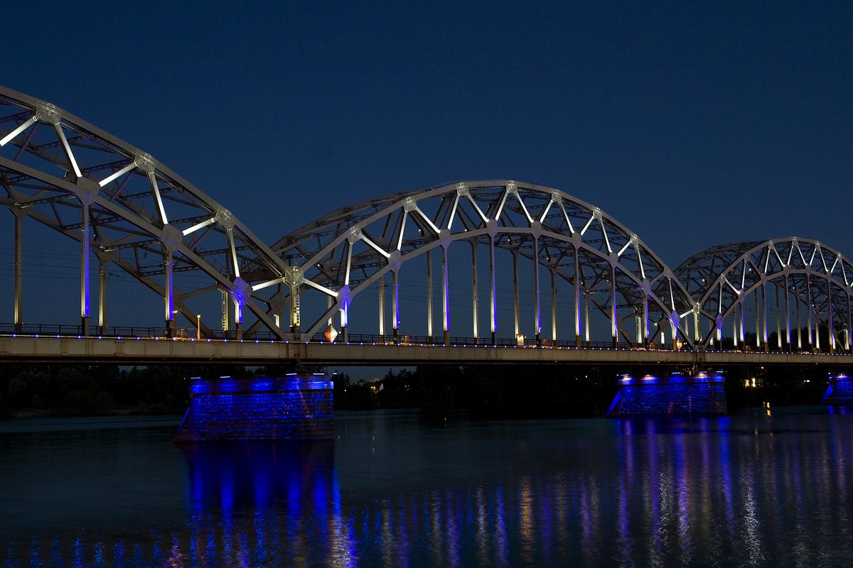 Iron Bridge In Lights Via @Atisgailis