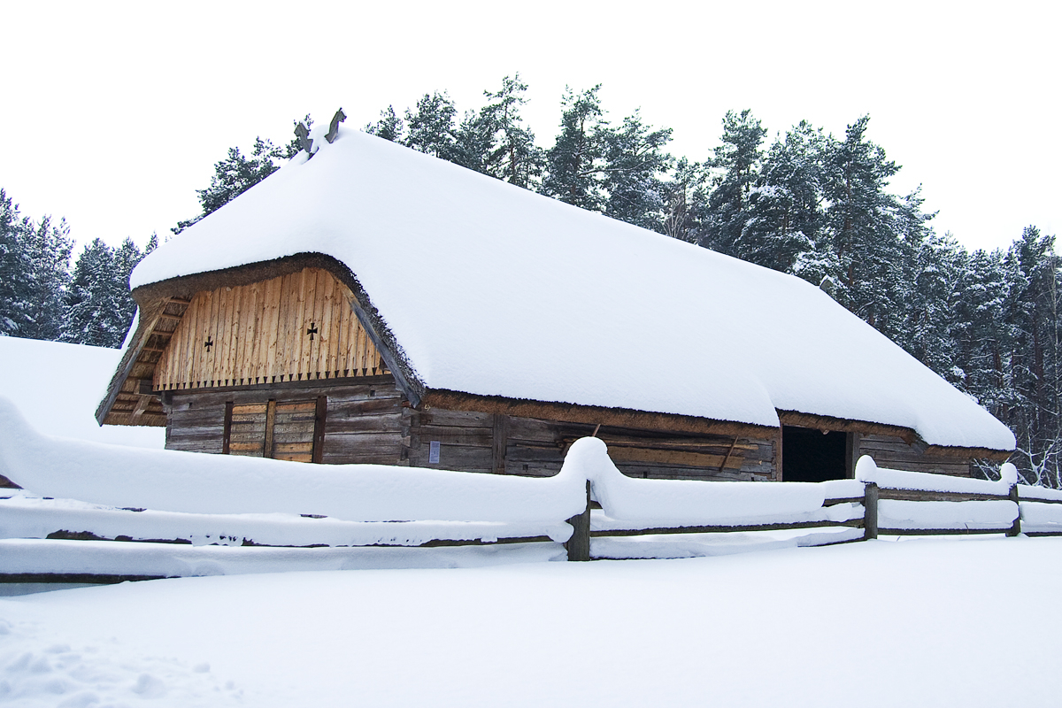Old Wooden Barn Under Snow Via @Atisgailis