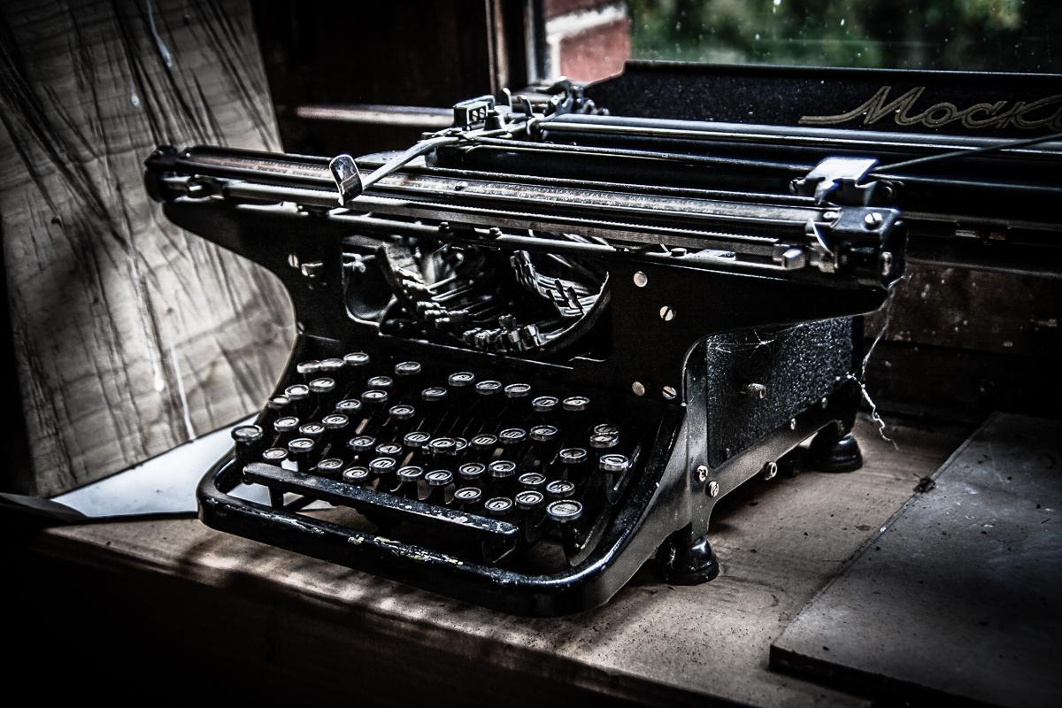 Typewriter Via @Atisgailis