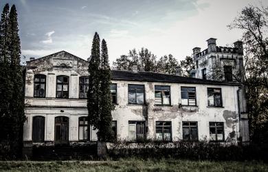 Abandoned manor