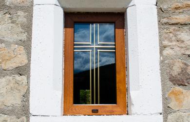 Window with cross