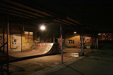 Skatepark At Night Via @Atisgailis