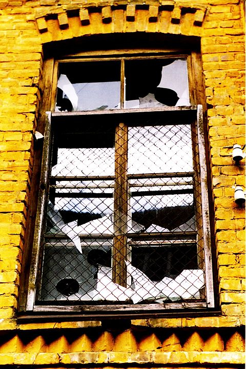 Yellow Brick Window Via @Atisgailis