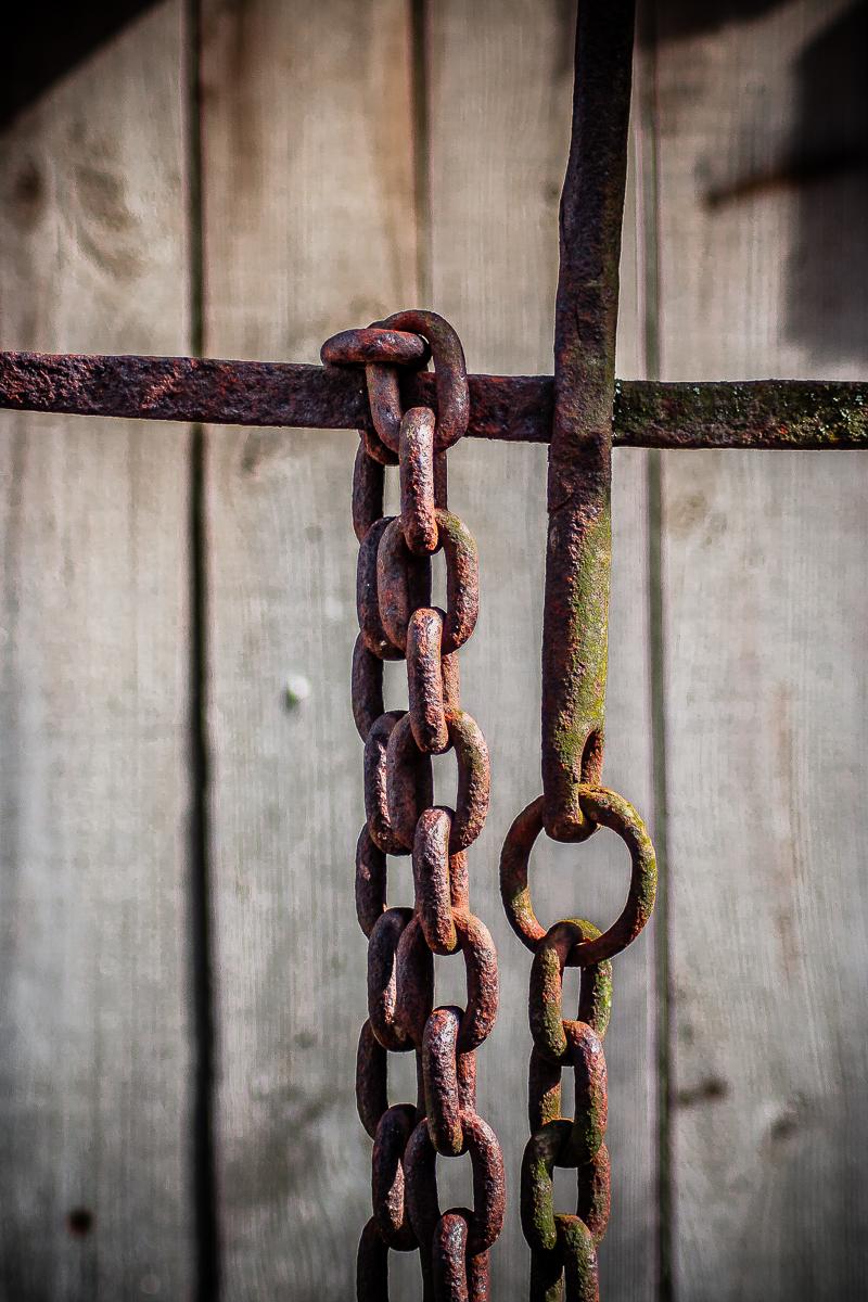 Chains Via @Atisgailis