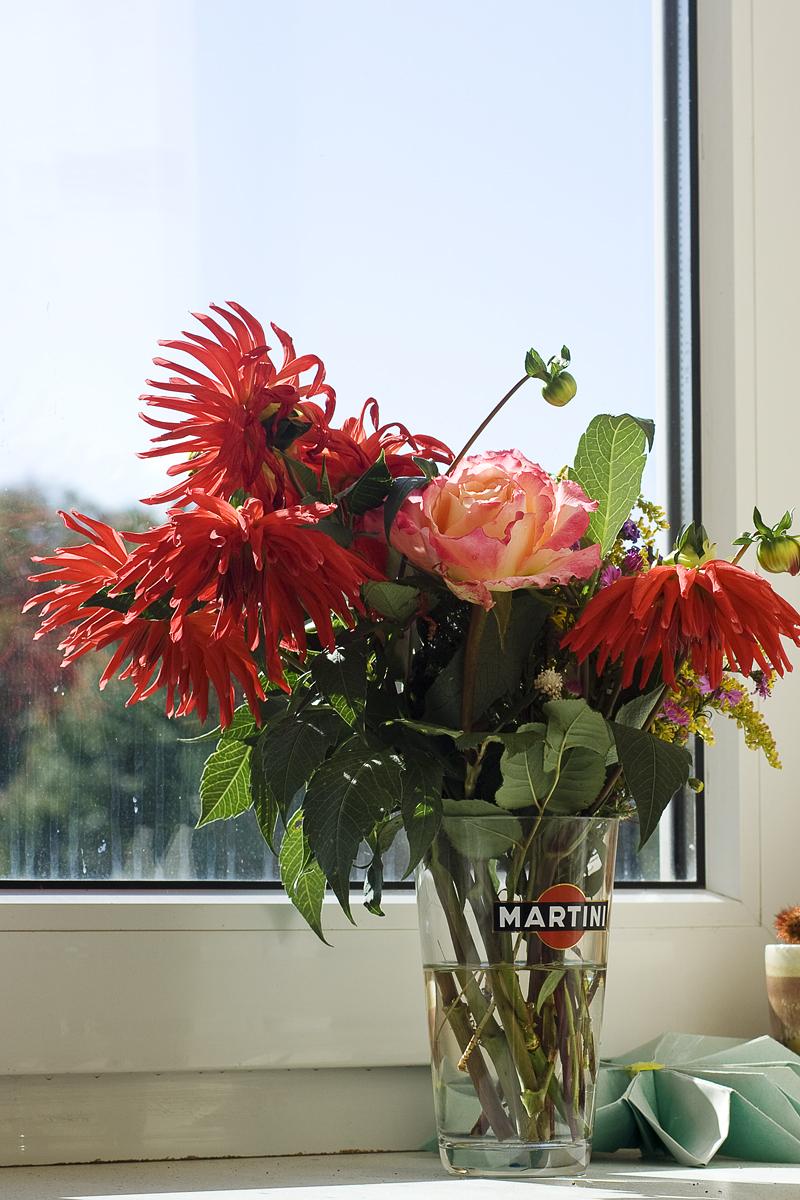 Flowers On Windowsill Via @Atisgailis