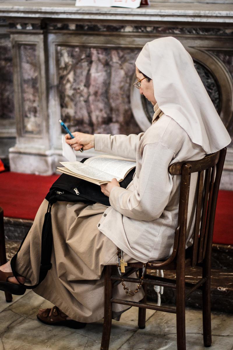 Reading Nun Via @Atisgailis